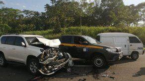 Cardenal Lacunza resulta ileso tras colisión múltiple en Guabalá