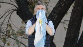 Macri busca del voto de argentinos ante Fernández en debate