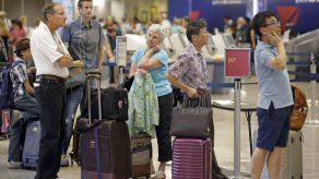 Pasajeros de Delta sufren 3er día de retrasos