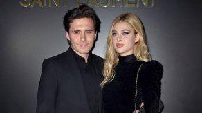 La futura esposa de Brooklyn Beckham convierte sus respectivas muelas del juicio en un collar