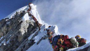 Nepal: más muertes en Everest tras aumento de permisos