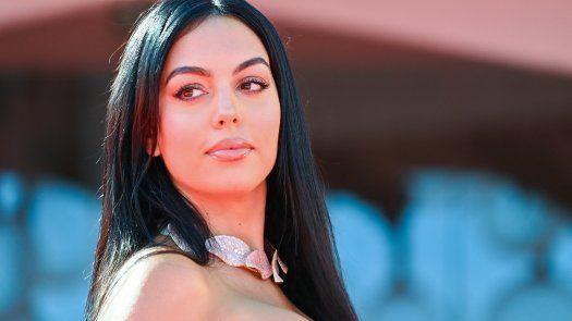 Georgina Rodríguez celebra su papel de madre de familia numerosa