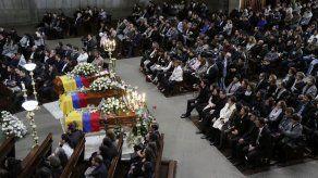 Ecuador da el último adiós a periodistas de El Comercio