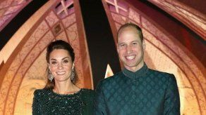 El bonito detalle de los duques de Cambridge con la prensa en su viaje a Pakistán