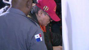 Manuel Antonio Noriega vuelve a casa por tres meses