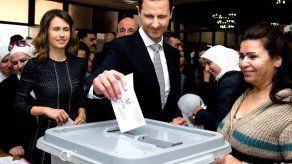 El presidente de Siria y su esposa se recuperan del virus