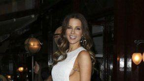 Kate Beckinsale metió en un lío a su hija al hacer un dibujo obsceno