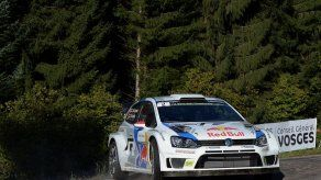Latvala lidera el Rally de Francia