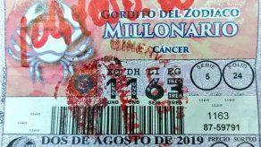 Ganador del Gordito Millonario cobra su premio de un millón 4 mil dólares