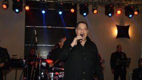 Tito Nieves junto a Samy y Sandra Sandoval en gala de Probidsida