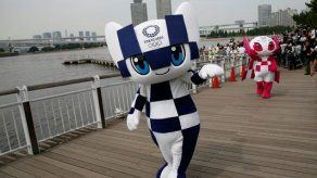 Tokio bautiza a las futuristas mascotas de los Juegos Olímpicos 2020