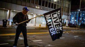 Desestiman en Nueva York proceso a policías por muerte de afroamericano