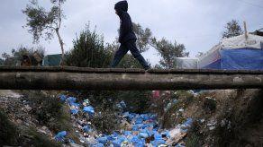 Islas griegas protestan por el hacinamiento de migrantes